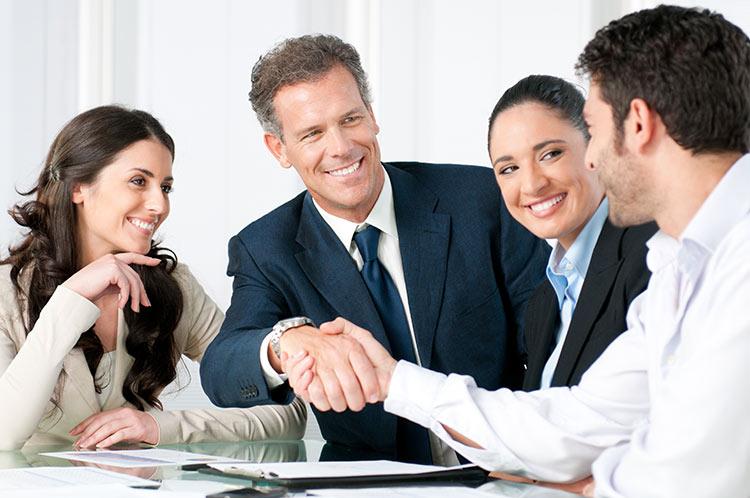 Incompatibilità professionale agente immobiliare, la Camera approva la legge europea.